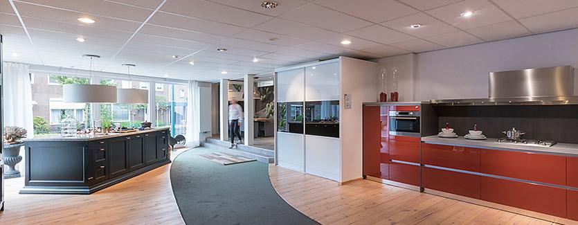 Hoefnagel Tegels Keukens Sanitair showroom keukenopstellingen