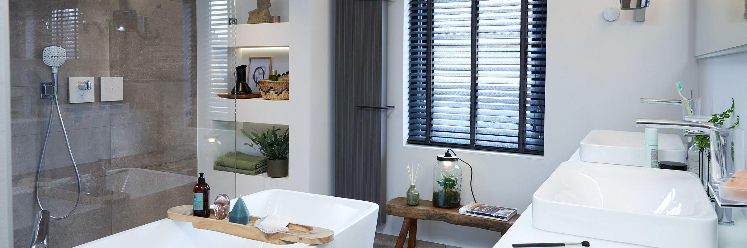 Binnenkijken bij de moderne badkamer van Francis - Binnenkijken bij de moderne badkamer van Francis