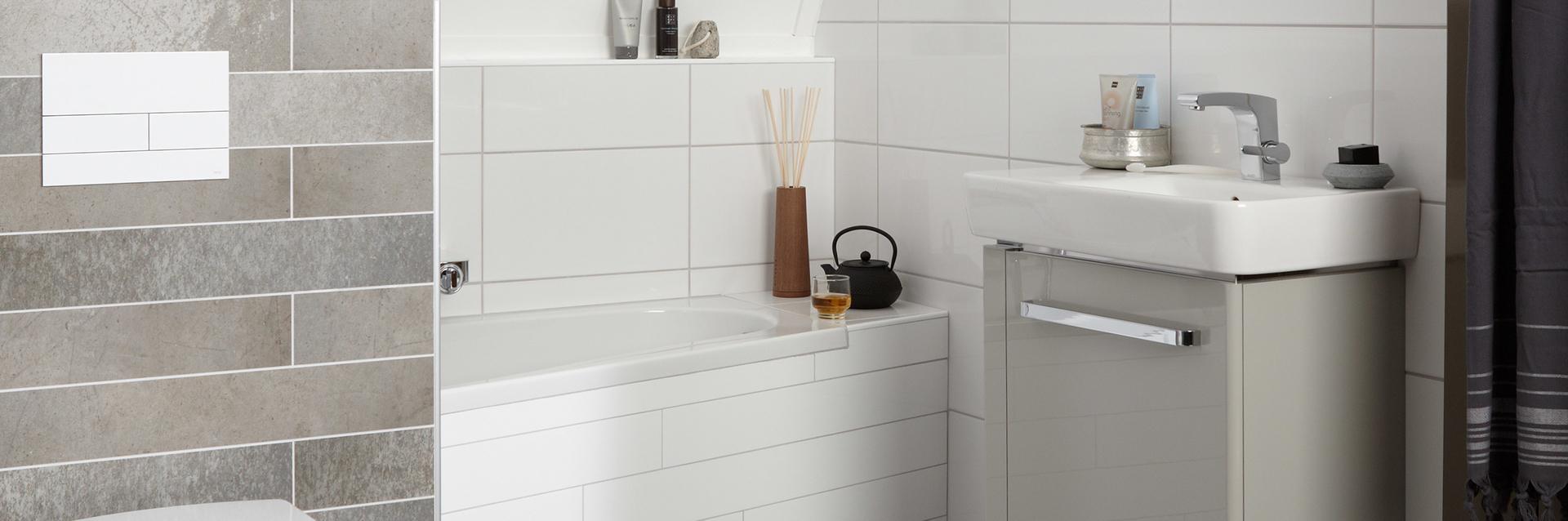 Kleine badkamer met bad - Kleine badkamer met bad