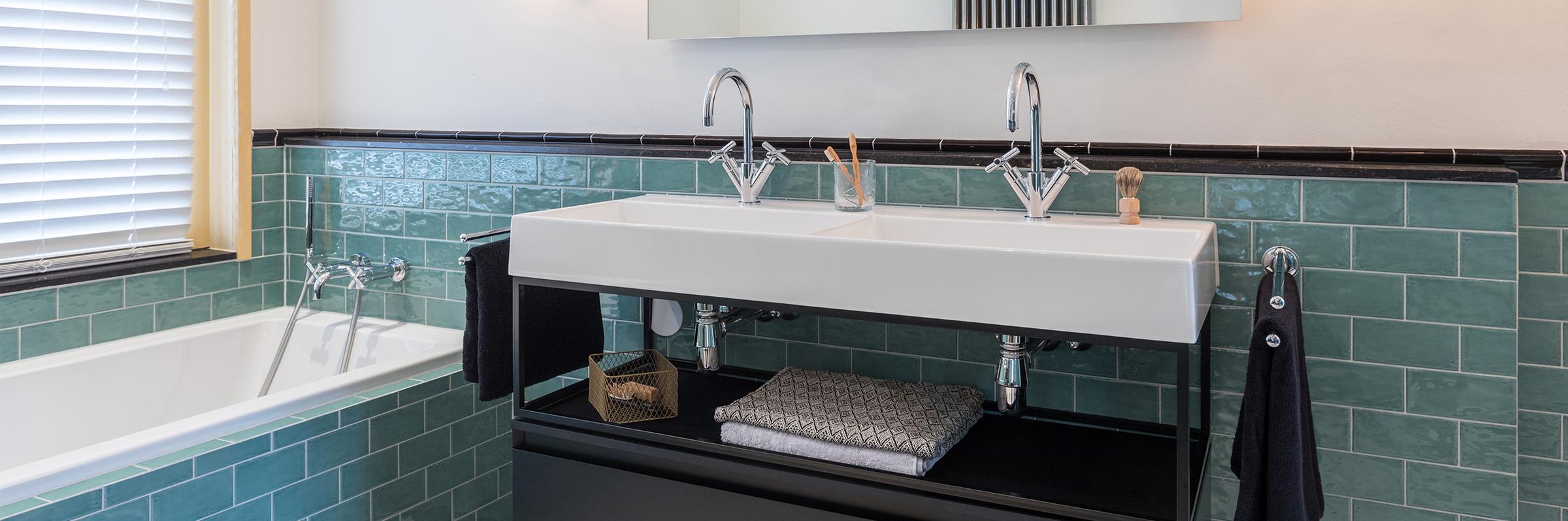 Binnenkijken bij een klassieke badkamer met moderne twist (landelijk en St Pieter) - Binnenkijken bij een klassieke badkamer met moderne twist (landelijk en St Pieter)