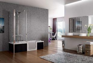Douchebad in grote badkamer geeft meer ruimte