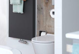 Scandinavische badkamer met houtlook tegels