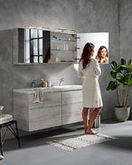 Spiegelkast in de stijl van houtlook badmeubel