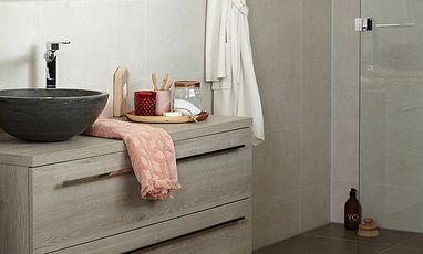 Kleine badkamers - Kleine badkamer met inloopdouche