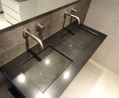 Binnenkijkers - Industriele badkamer in Lelystad