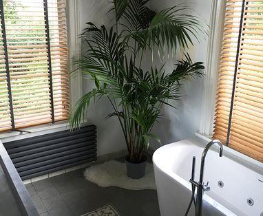 Binnenkijkers - Binnenkijken: Landelijke badkamer in Ewijk