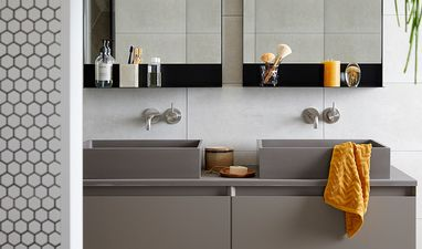 Industriële badkamers - Badkamer met hexagon tegels