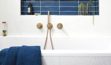 Moderne badkamers - Badkamer met blauwe tegels
