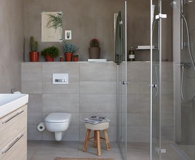 Schimmel in de badkamer verwijderen - Tips blinkende douchecabine