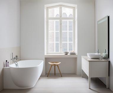 Familiebadkamer slim inrichten - Tips voor een kleine badkamer met bad