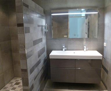 Binnenkijkers - badkamer en toilet in Zaandam