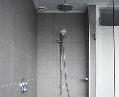 Inspiratie - Moderne familie badkamer in Uithoorn
