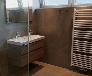 Binnenkijkers - Hotel-chique badkamer in Woerden