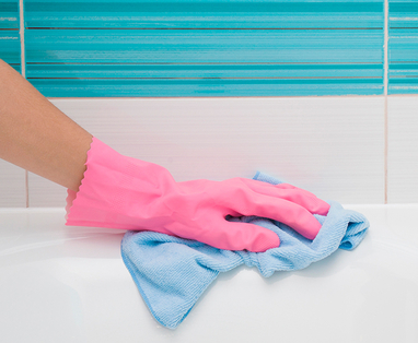 9 tips voor meer hygiëne in de badkamer - Bad schoonmaken