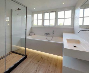 Binnenkijkers - Kleine badkamer in Breukelen luxe ingericht