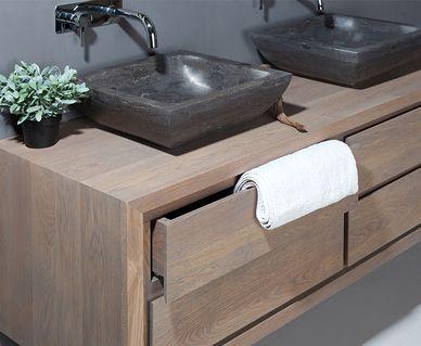 Natuurstenen wastafels en douchebakken - Eikenhouten badkamermeubelen