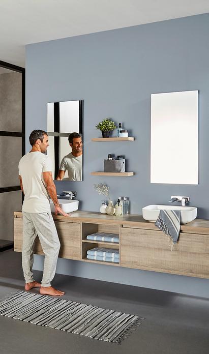 Familie badkamer met maatwerk badkamermeubel