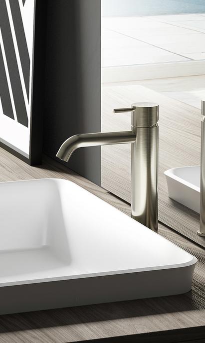 Moderne badkamer met design wastafelkraan