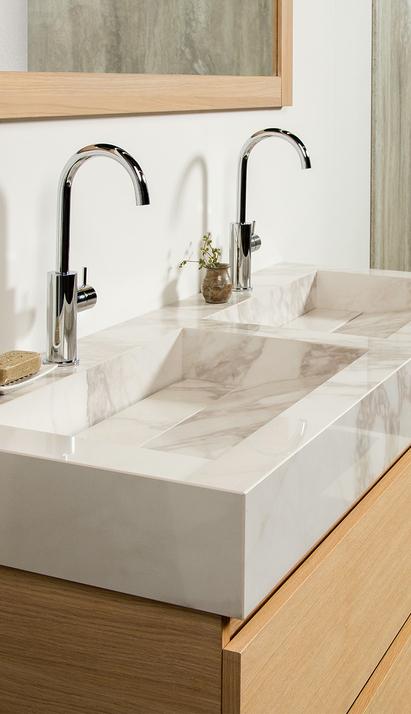 Mix & Match badkamermeubel hout modern met opzetkom rond led spiegelpaneel