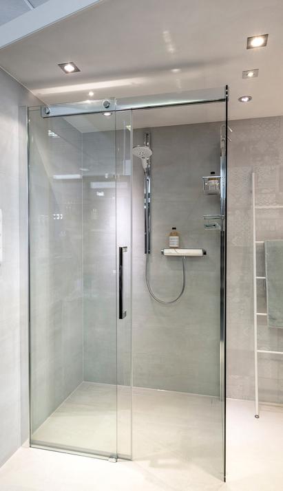 Van der Meulen Badkamers showroom badkameropstelling inloopdouche