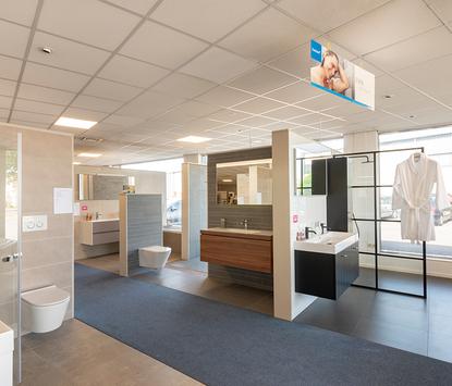 Oude Geerdink Tegels & Sanitair showroom badkameropstellingen