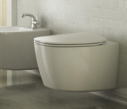 Moderne badkamer - wandcloset en bidet