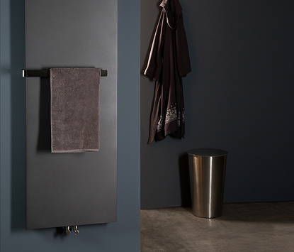 Mix & Match design radiator Stretta zwart met handdoekhouder