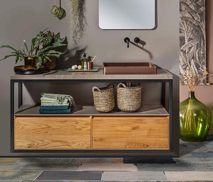 Badkamermeubel met stalen frame hout en marmer