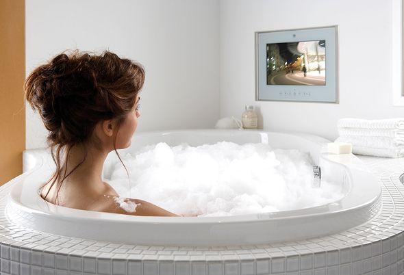 Ontspan! Radio of tv in de badkamer - 3. Ingebouwde televisie in de badkamer