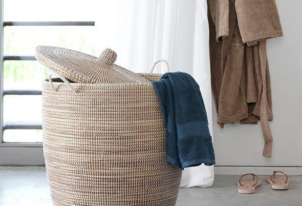 Scandinavische woonstijl in de badkamer - 2. Zen / Lichte accessoires