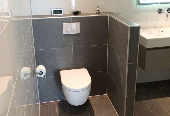 Moderne badkamer in deventer aart van de pol badkamers en tegels