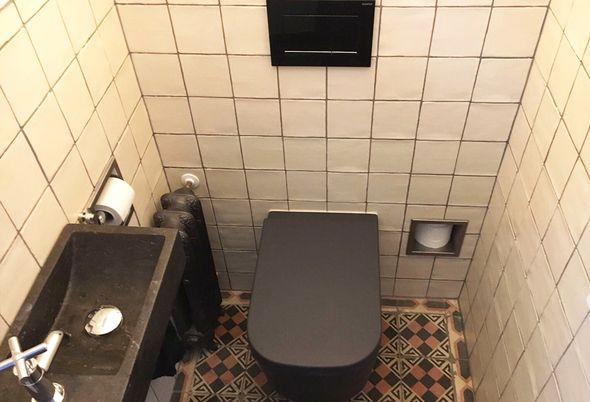 Gerenoveerde badkamer in nieuwerbrug astra badkamers for Tegels bodegraven