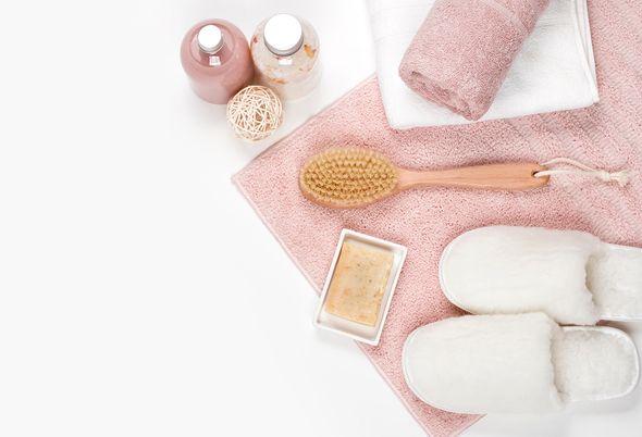 Wellness badkamer inrichten - Speel met spiegels en licht