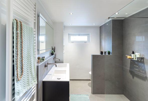 Binnenkijken in een luxe kleine badkamer - afbeeldingen luxe badkamer maarssen