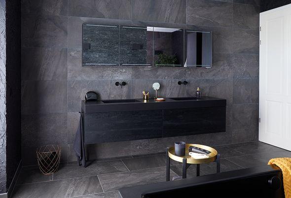 Binnenkijken bij een zwarte badkamer - afbeeldingen
