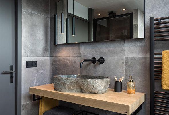 Binnenkijken bij een badkamer met zwart sanitair in Woerden (Astra en Badenplus) - Alinea 4