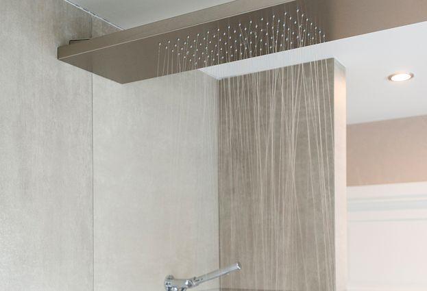 Binnenkijken bij familie Vogels - 6. Een vrijstaand bad en een ruime inloopdouche in een kleine badkamer?