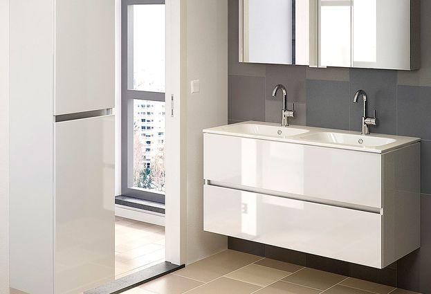 Badkamermeubel Met Badkamer : Een bruynzeel badkamermeubel maakt uw badkamer compleet baden