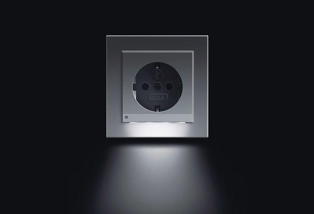 Gira in de comfortbadkamer - 1. Gira automatische verlichting