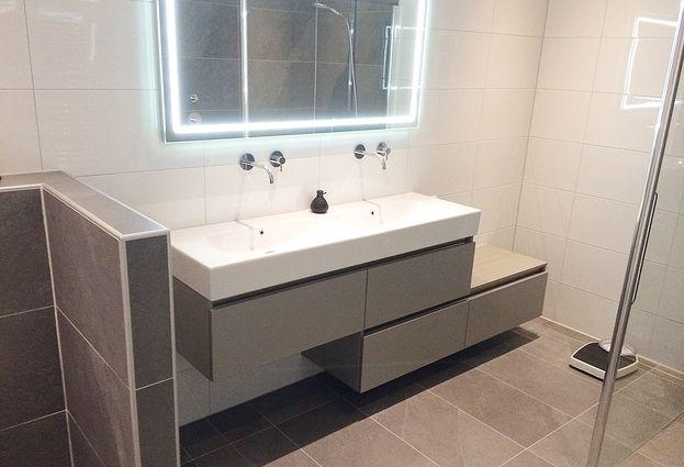 Nieuwe Badkamer Deventer : Moderne badkamer in deventer aart van de pol badkamers en tegels