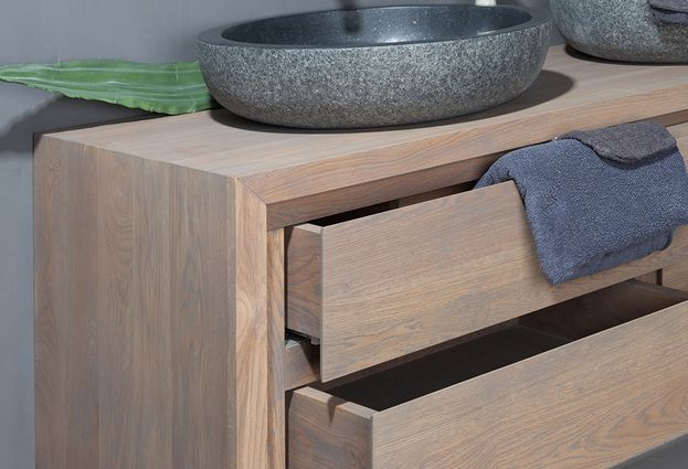 Eikenhouten badkamermeubelen - 1. Forzalaqua Zichtbare hoogwaardige kwaliteit