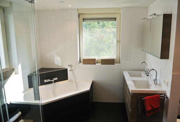 Kleine Praktische Badkamer : Praktische badkamer in boxtel badkamerid