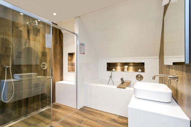 Showroom - 1.Grote badkamerwinkel in Uden