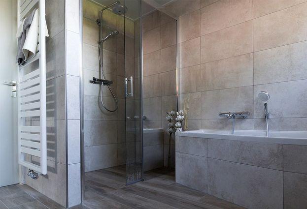 Badkamers Hengelo Ov : Warme badkamer in beuningen oude geerdink tegels badkamers
