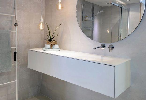 Showroomsale badmeubel solid surface van der meulen specialist