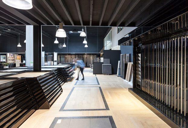 Tegels - 1. Eindhoven Grote showroom met veel keuze in vloer- en wandtegels