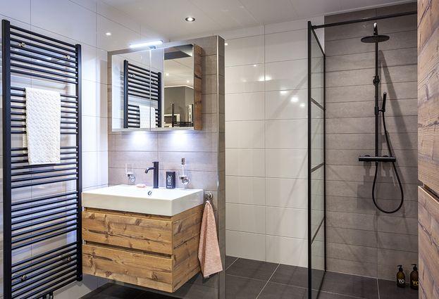Tegels en woonvloeren - Tegels voor de badkamer