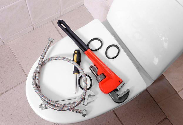 Staand toilet installatie door specialist