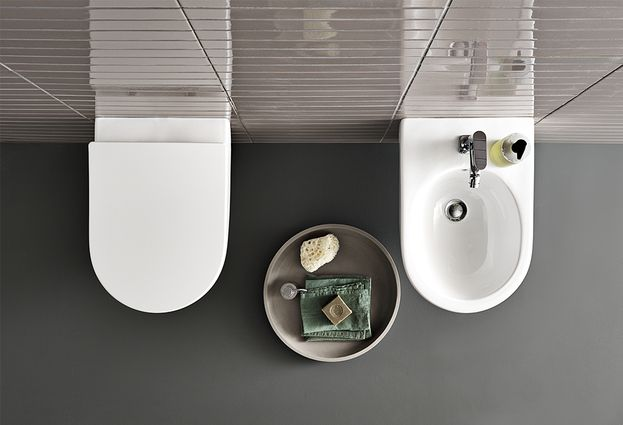 Geberit Acanto - 4: Acanto rimfree toilet en bad
