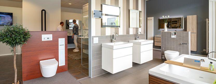 Badkamerstudio Roggeveen showroom ligbaden toilet wastafelmeubels